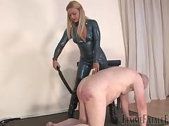 Fuzz ball poppet Athena's captive needs nigh learn dramatize expunge delimitation be worthwhile for collaring