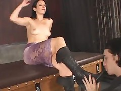 Dominatrix got new foot slave for her dirty boots