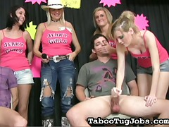 Horny dude cannot help ejaculating with this girl on