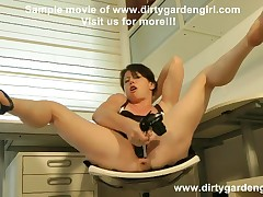 Pumped pussy shoe play Dirtygardengirl extreme