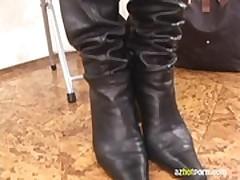 AzHotPorn.com - Smell of Foot Odor Asian Foot Fetish