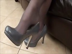 beautiful lady in stockings foot worship