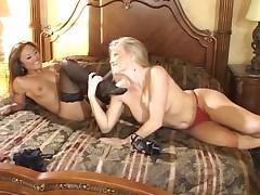 Kaylani Lei & Lea de Mae Foot Fetish