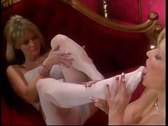 Lesbian chicks into foot fetish
