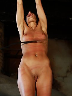 18 of Pussy splitting for whipping