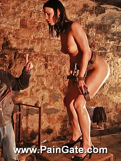 <!–-IMAGE_COUNT-–> of Extreme whipping in dungeon