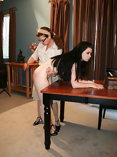 <!–-IMAGE_COUNT-–> of Eve spanks Sybil