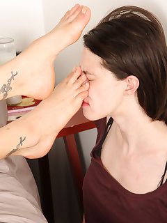 12 of Dahlia forces her slave girl to lick her feet