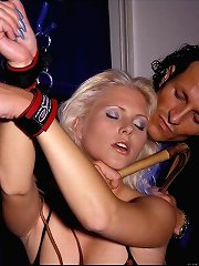 Slavegirl used on the bed