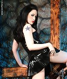 Hot gothic slut Jade Starr posing as latex Vamp