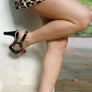The sexy feet beauty walking
