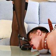Brunette godlike ladies get foot worship from their doglike servant