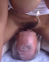 Mistress with big ass sat on man's face