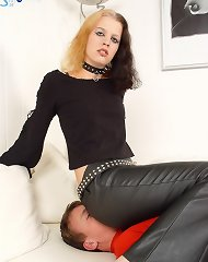 Gothic babe sat on slave\'s face