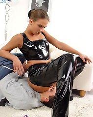Facesitting mistress in latex