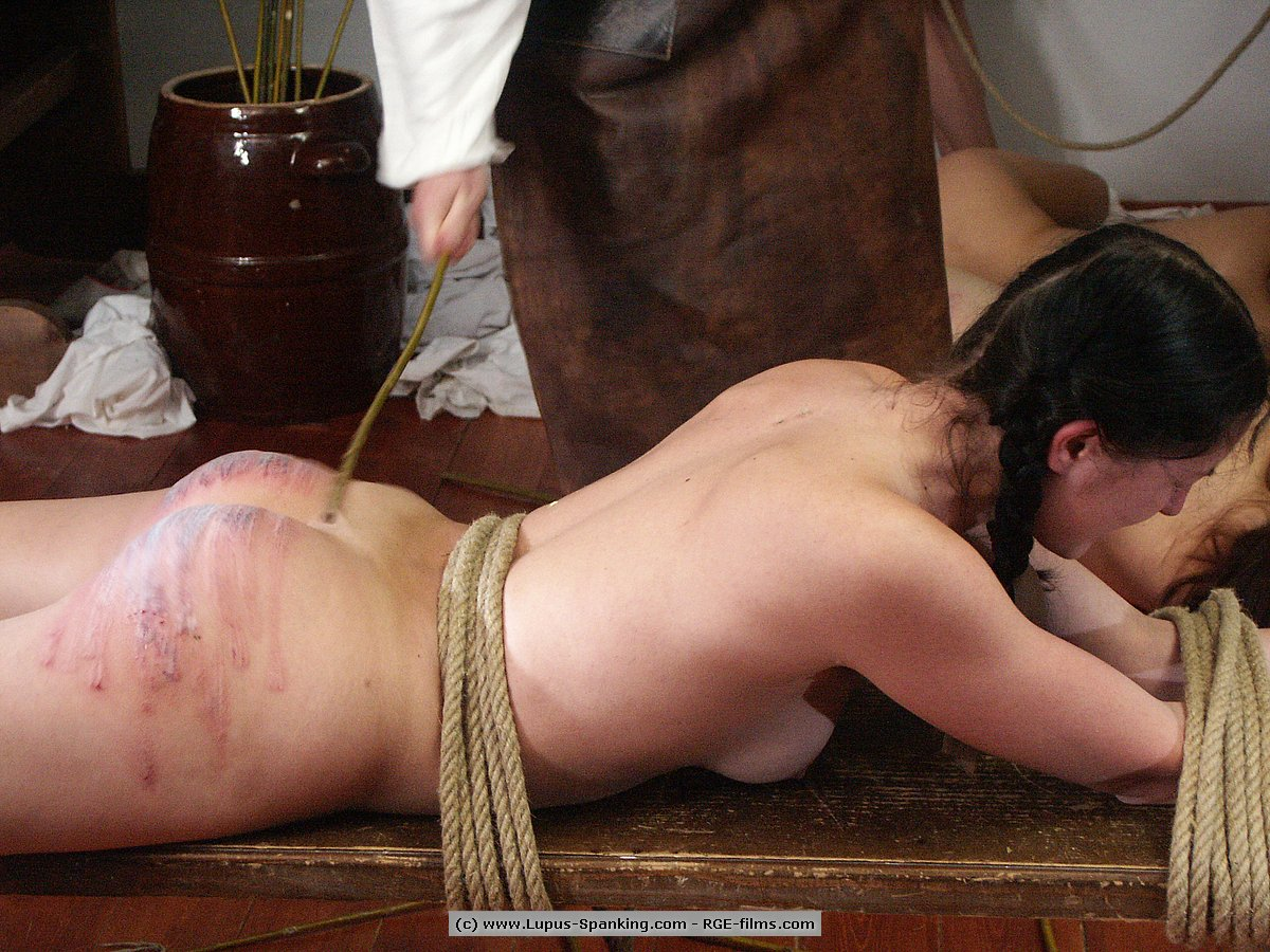 Naked servants pics hentai pics
