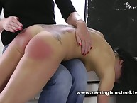 Attractive chick gets her posterior whipped