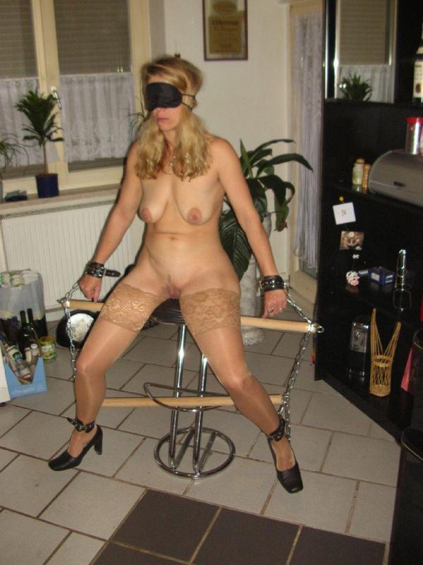 wife binding over naked
