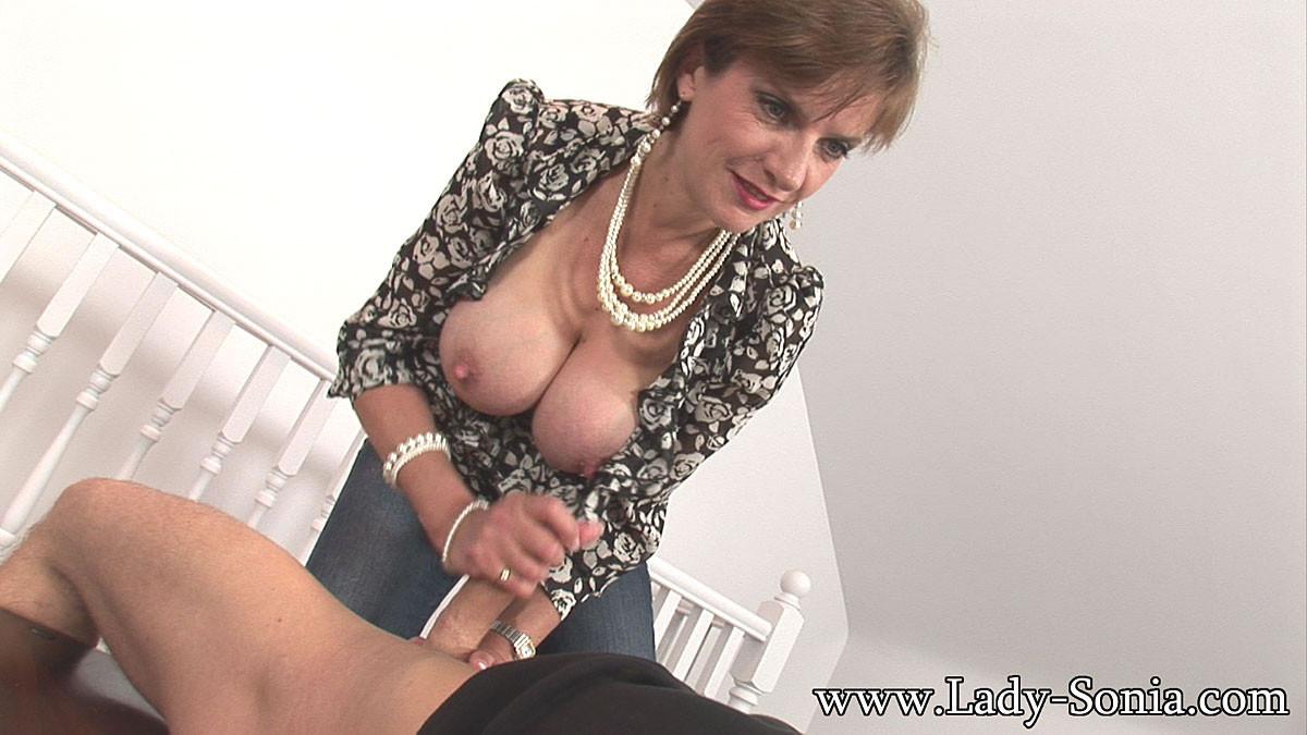Lady sonia double handjob mobile sex hq pics